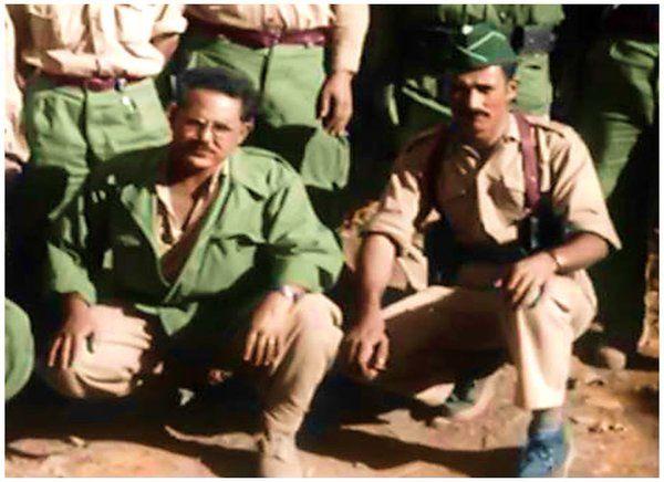 Hocine Rouibah, avec le colonel Amirouche.