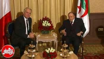 17 décembre 2013 avec le Premier ministre français Jean-Marc Ayrault. Photo DR