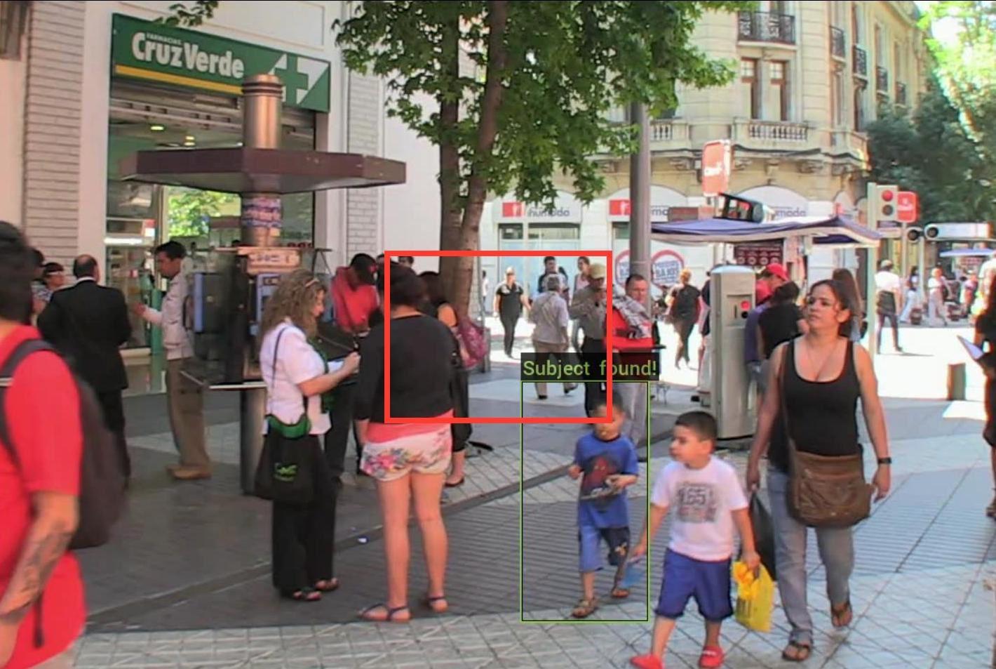Reconnaissance faciale: la police de Chicago va traquer les fugitifs avec des caméras portables intelligentes