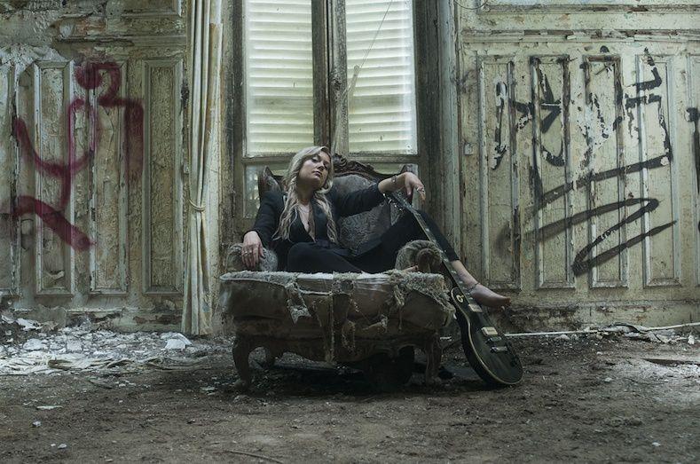 #Musique - JOYLIE révèle son premier EP - DIRTY LAUNDRY  !