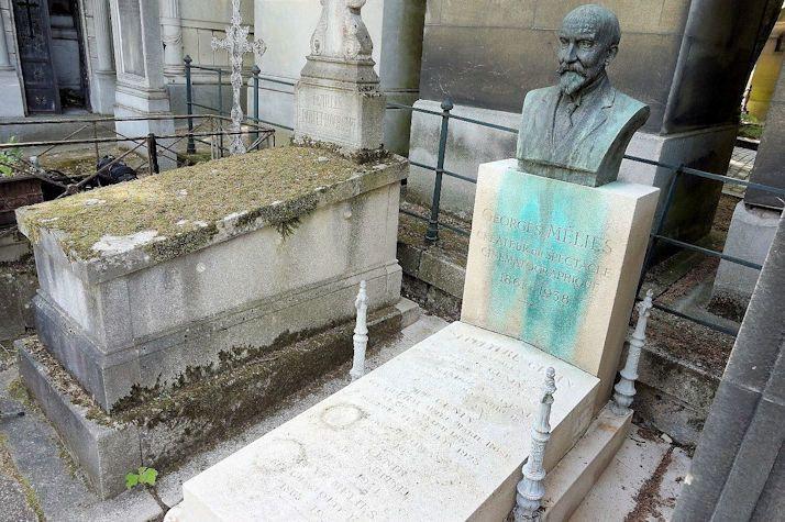 #Culture - Sauvons la tombe de Georges Méliès pionnier du cinéma et inventeur des effets spéciaux au cimetière du Père Lachaise à Paris !