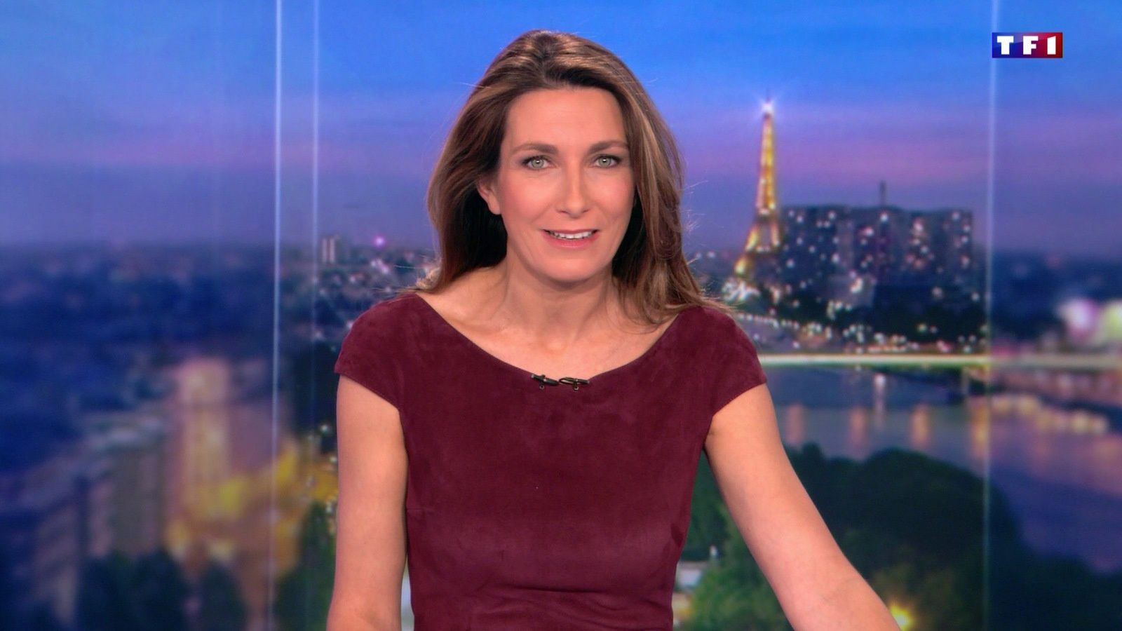 📸 ANNE-CLAIRE COUDRAY @ACCoudray @TF1 @TF1LeJT pour LE 20H WEEK-END #vuesalatele