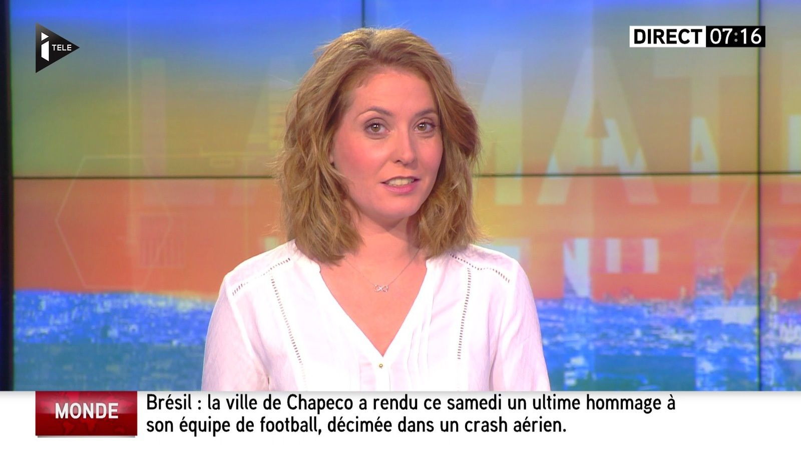 📸 ELODIE POYADE @ElodiePoyade ce matin #WEMATINALE pour LES SPORTS @ITELE #vuesalatele