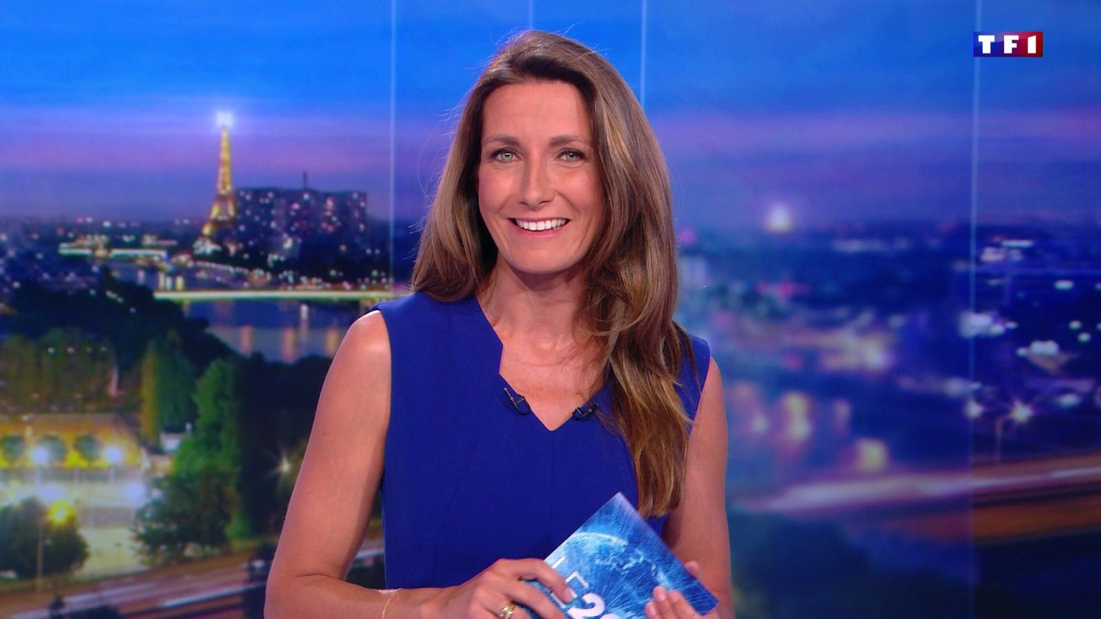 📸24 ANNE-CLAIRE COUDRAY @ACCoudray @TF1 @TF1LeJT pour LE 20H WEEK-END #vuesalatele