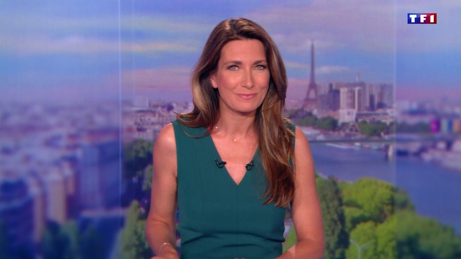 📸14 ANNE-CLAIRE COUDRAY @ACCoudray @TF1 @TF1LeJT pour LE 20H WEEK-END #vuesalatele