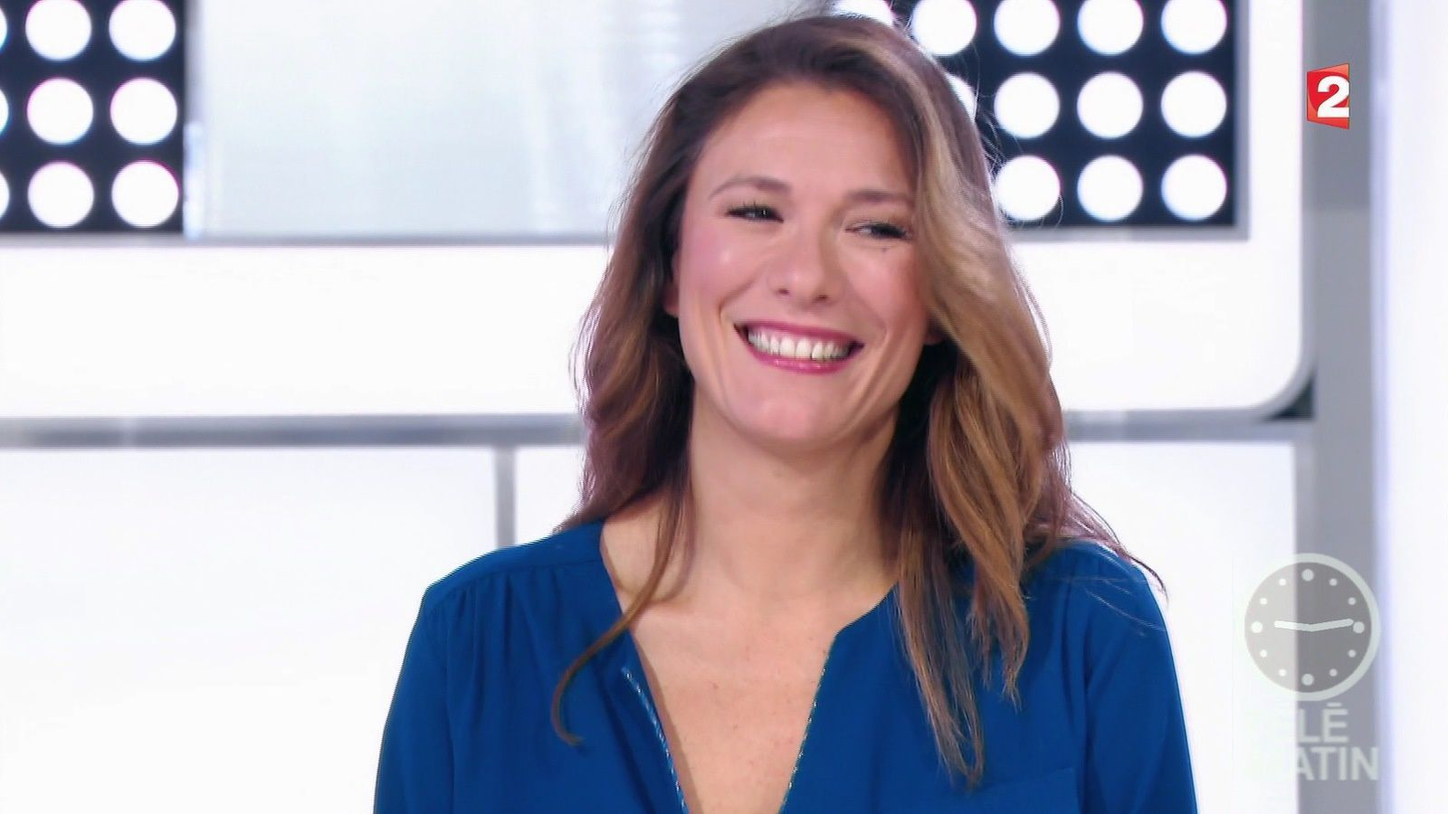 📸9 MARIE MAMGIOGLOU @MarieMamgioglou @telematin @France2tv ce matin #vuesalatele