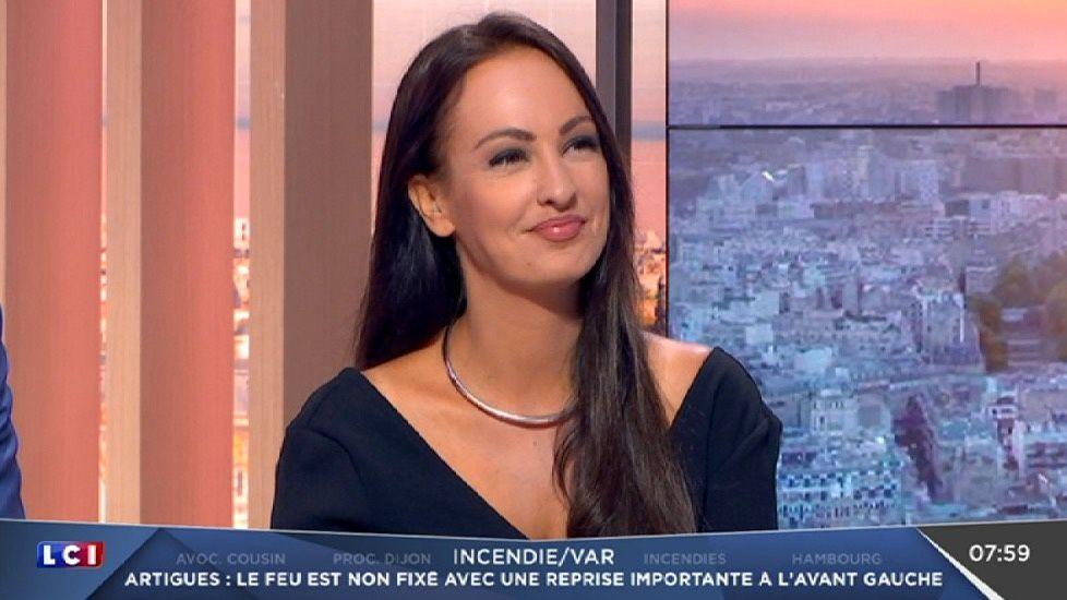 📸3 ALEXANDRA BLANC ce matin pour LA METEO sur LCI #vuesalatele