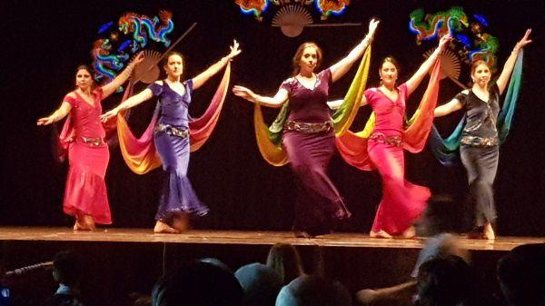 Danse de la troupe Elaheh