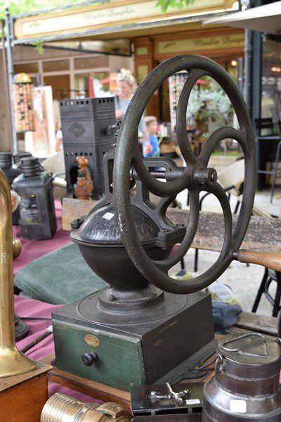 Les antiquaires font la foire au village