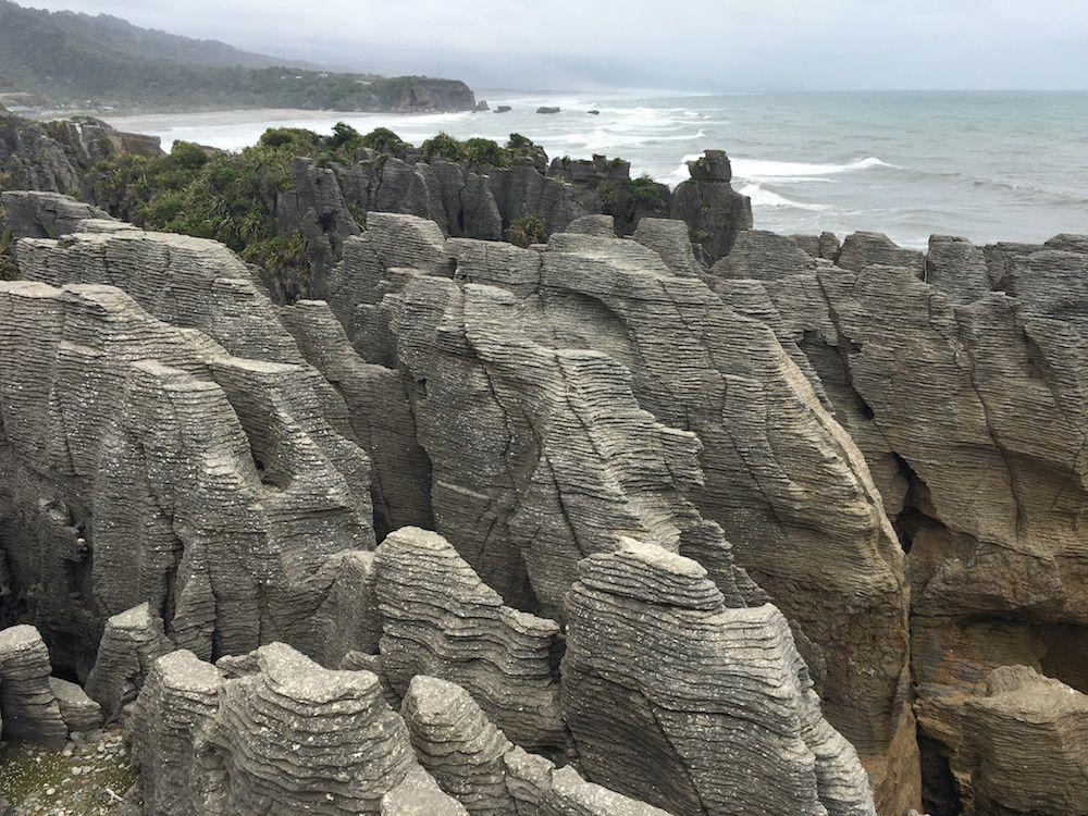 Journée de transition vers Punakaiki - Pancakes Rocks et Hokitika ~ Voyage en famille en Nouvelle Zélande