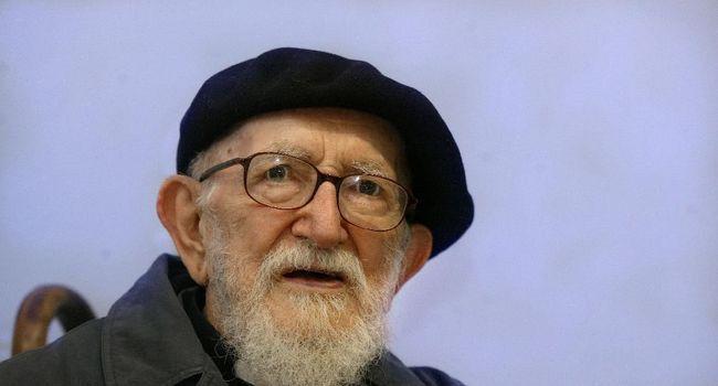 L'Abbé Pierre, fondateur du mouvement Emmaüs, à Saint-Omer PHILIPPE HUGUEN  /  AFP/Archives