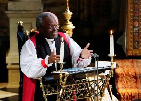 Le révérend Michael Curry prononce son sermon au mariage de Harry et Meghan Markle, samedi 19 mai à Windsor. Owen Humphreys / AP
