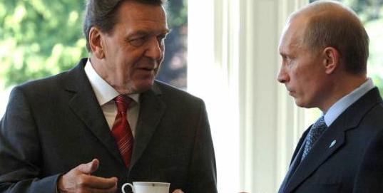 Gehrard Schröder et Poutine n'ont rien à se cacher...