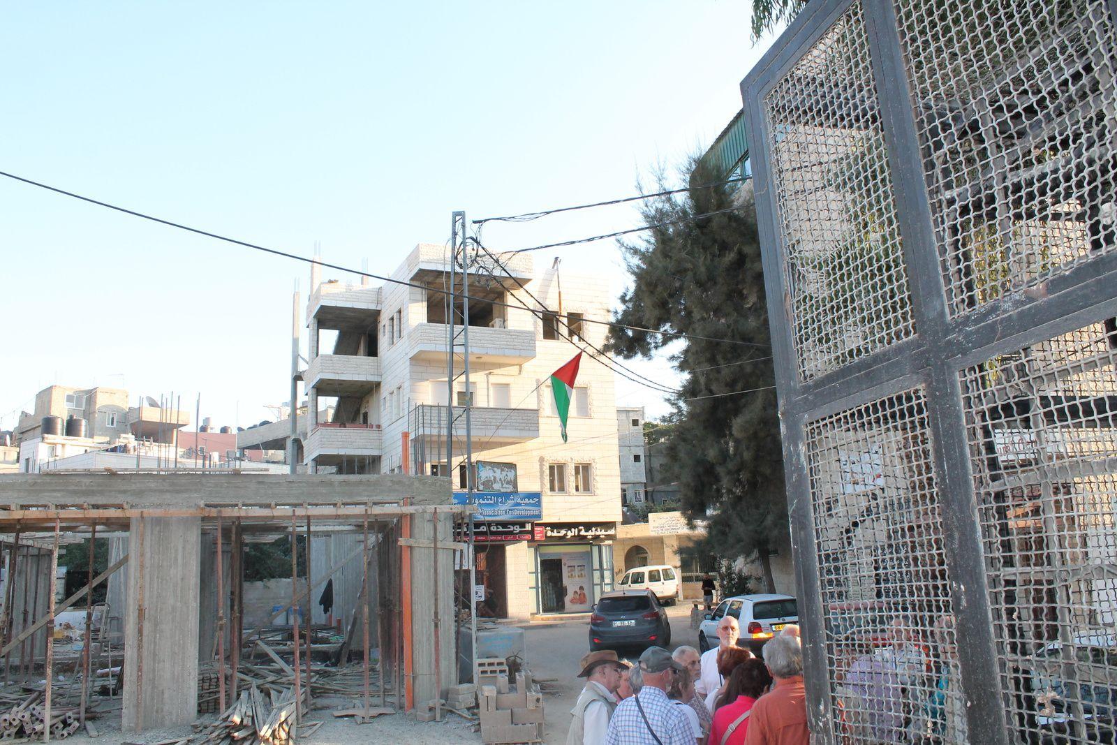 """Entrée du camp de réfugiés palestiniens """"Deisheh"""" au nord de Bethléem"""
