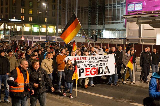 Le mouvement raciste Pegida a réussi à rassembler des milliers de personnes en Allemagne.