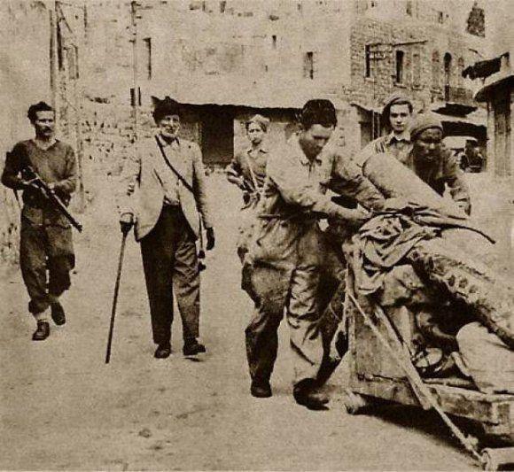 Expulsion d'une famille palestinienne de Haifa par des éléments de la Haganah en 1947