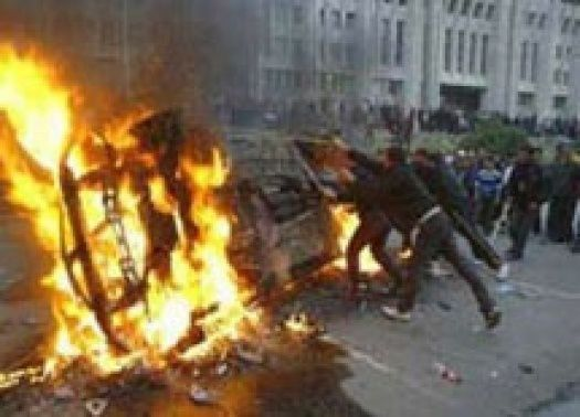 Les émeutes à Bruxelles des années 1990 et en France en 2005 traduisaient le profond malaise d'une génération délaissée par des Etats faibles et un capitalisme tout puissant.