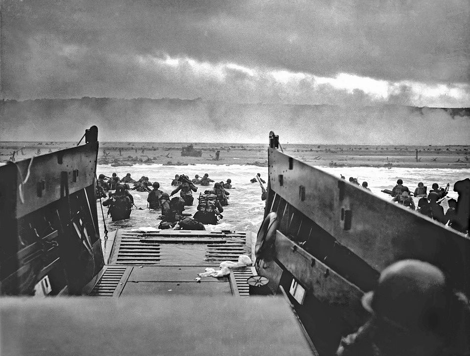 Débarquement de Normandie, Omaha Beach, 6 juin 1944. Photographie prise par Robert Capa.