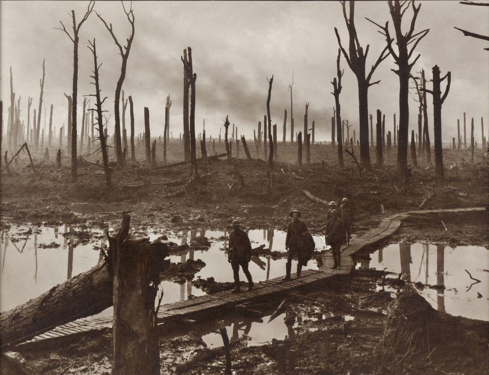 Soldats australiens à Paschendaele, 1917.