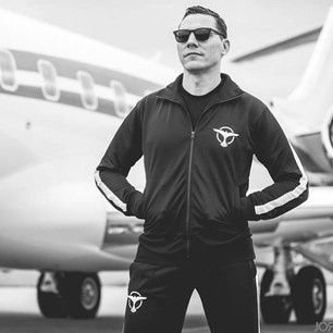 Tiësto shop:  training suit coming soon !