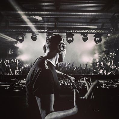 Tiesto - Guest Mix for BBC Radio 1 Dance Anthems 07 june 2014