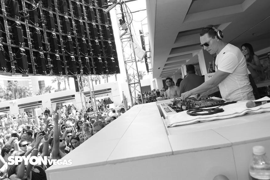 Tiësto photos: Wet Republic - Las Vegas, NV 02 august 2014