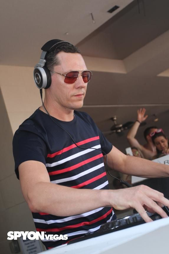 Tiësto photos: Wet Republic - Las Vegas, NV 13 september 2014