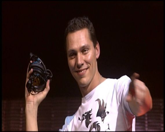 Tiësto - 10 th anniversary - In Concert GelreDome 2004 - 2014