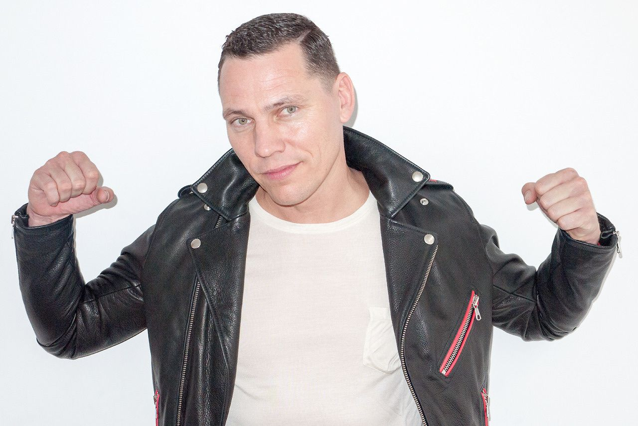 Tiësto: tweet your favorite songs for #ClubLife400