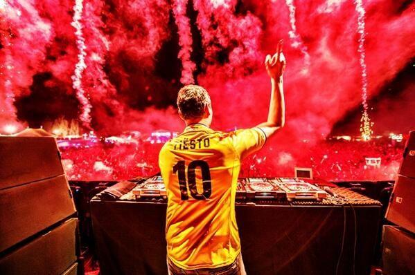Tiësto club life 411 - February 14, 2015