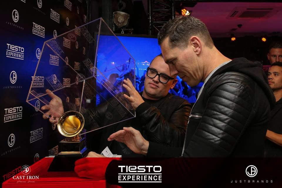 Photos - Tiësto and fans at Just Brands Stores - Amsterdam - Tiësto Experience #ADE2015
