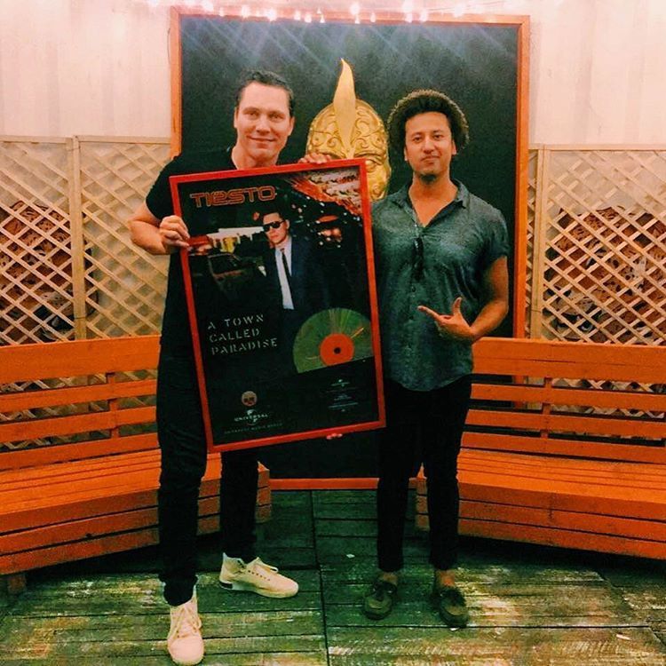 Tiësto - Platinum disc in Colombia for this album A Town Called Paradise