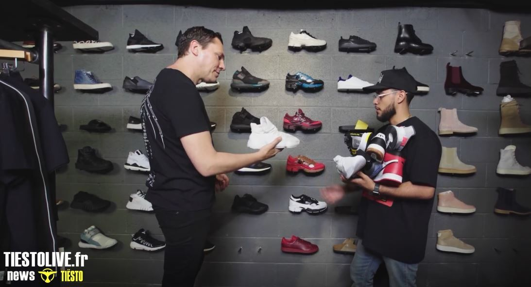 Photos  video Tiësto goes Sneaker Shopping with Complex's