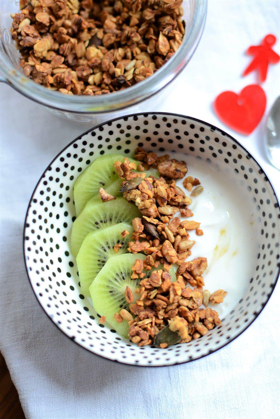 Granola graines noix et compote de pomme