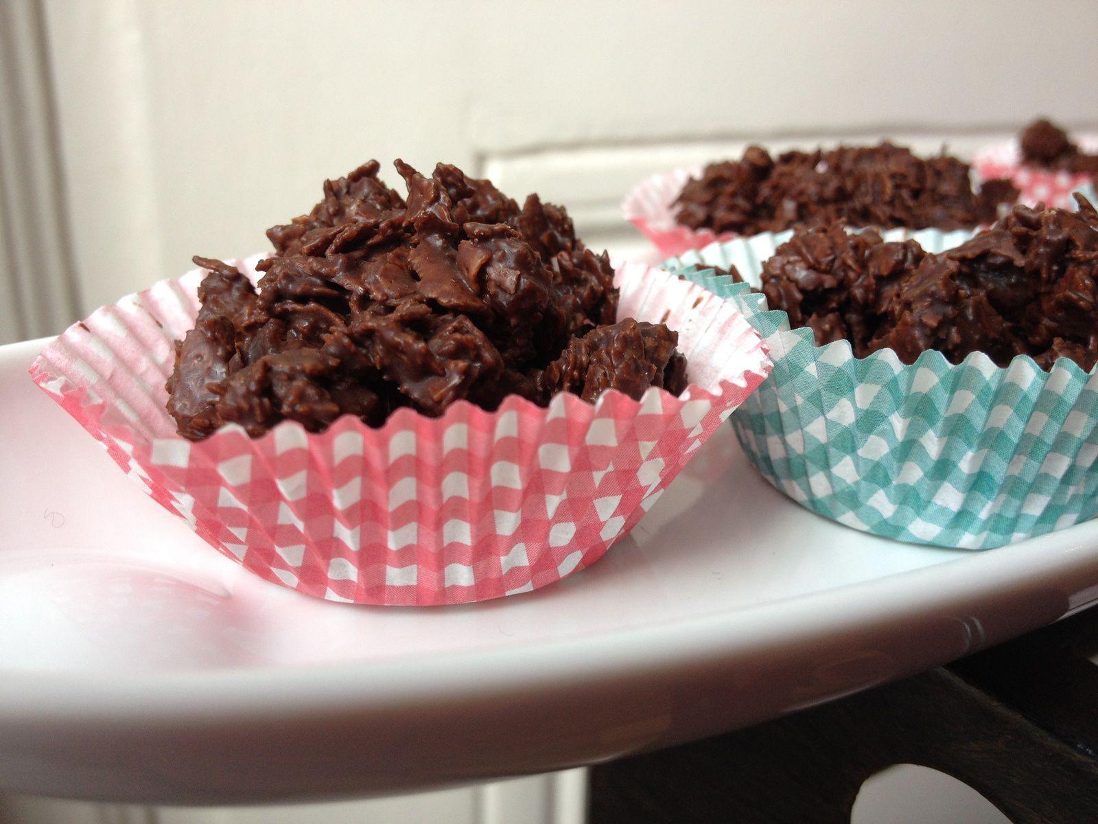 Bouchées croustillantes chocolat/crêpes dentelles/oranges confites