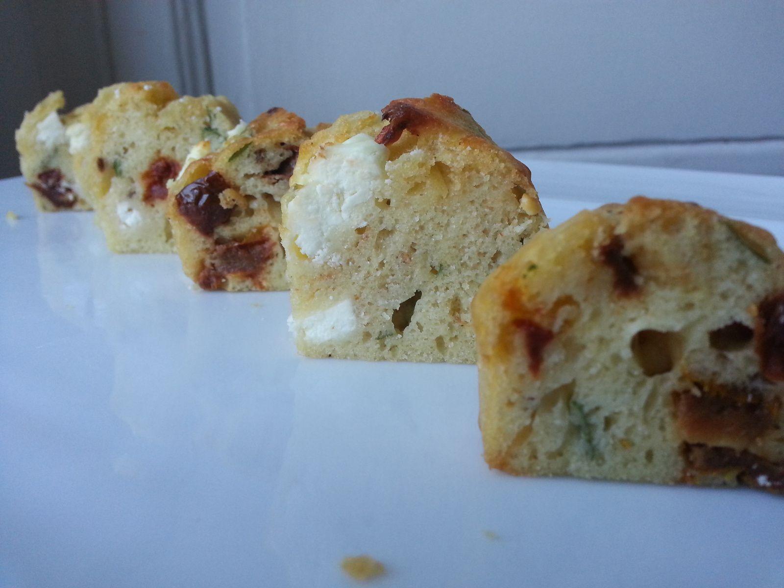 Cake feta / tomates séchées / basilic