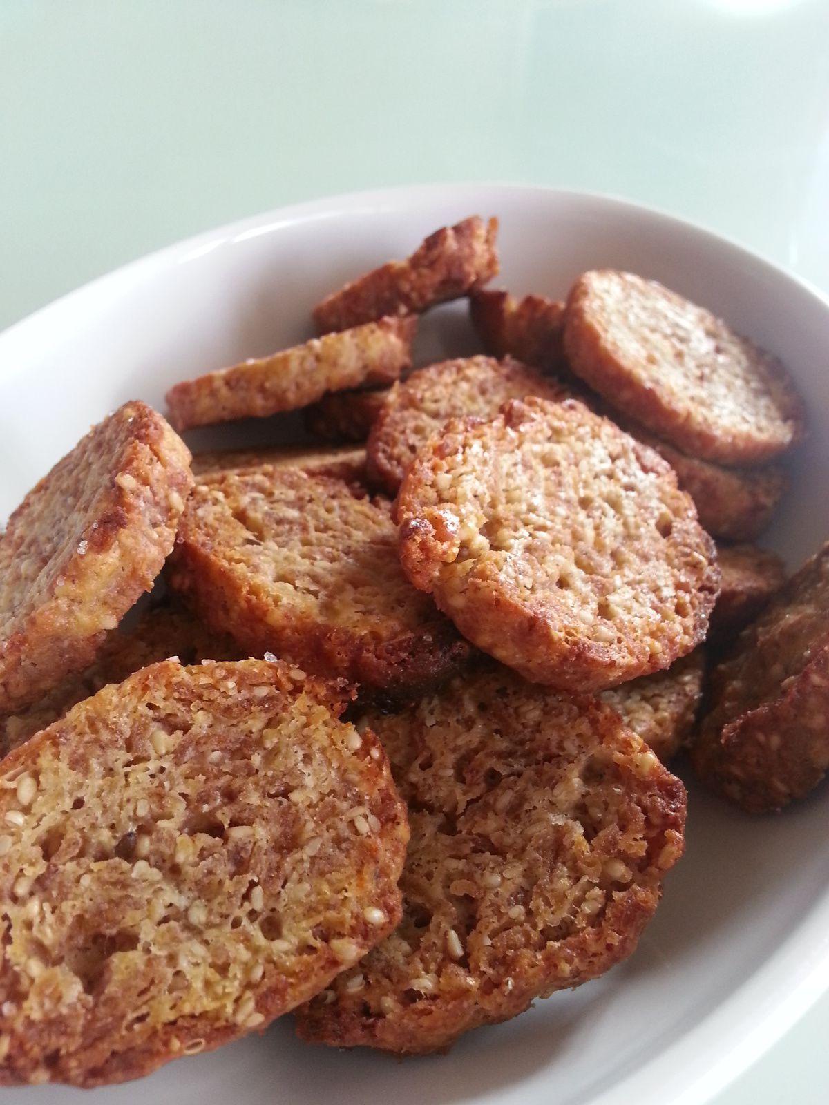 Biscuits apéro croustillants paprika / sésame