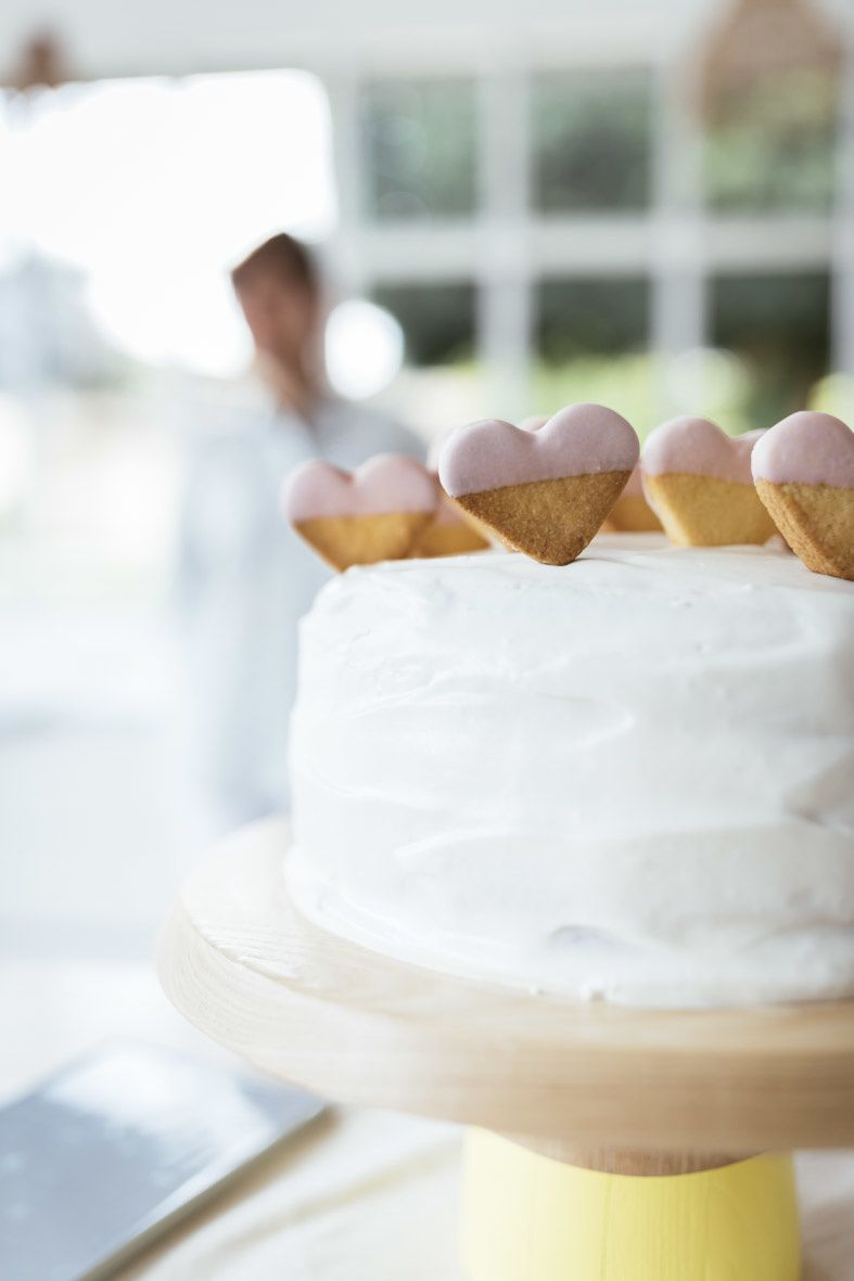 Recette Revol // 1 - Comment réaliser des sablés glacés pour décorer vos desserts?
