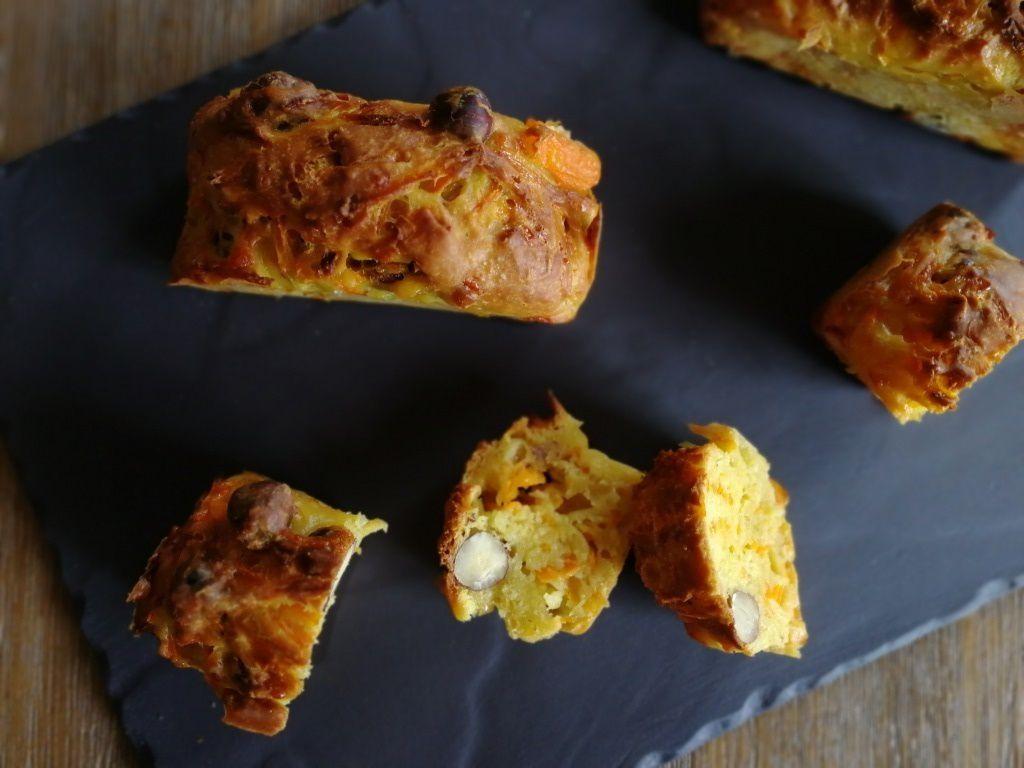 Cake salé: carottes - noisettes