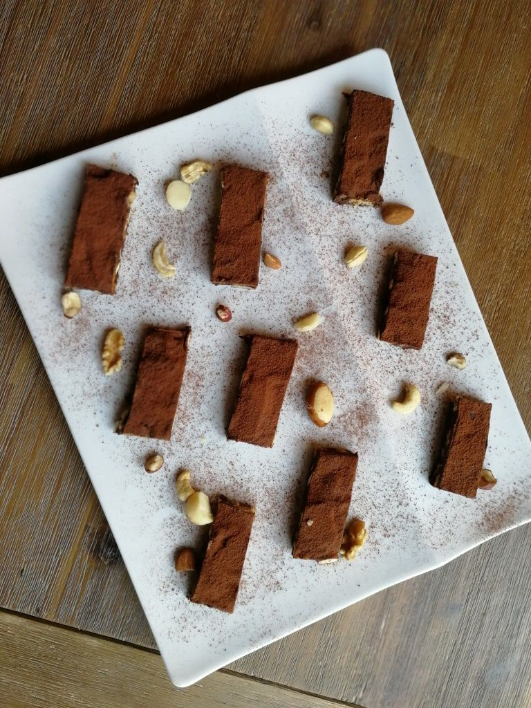 Terrine chocolat -biscuits et fruits secs / sans cuisson