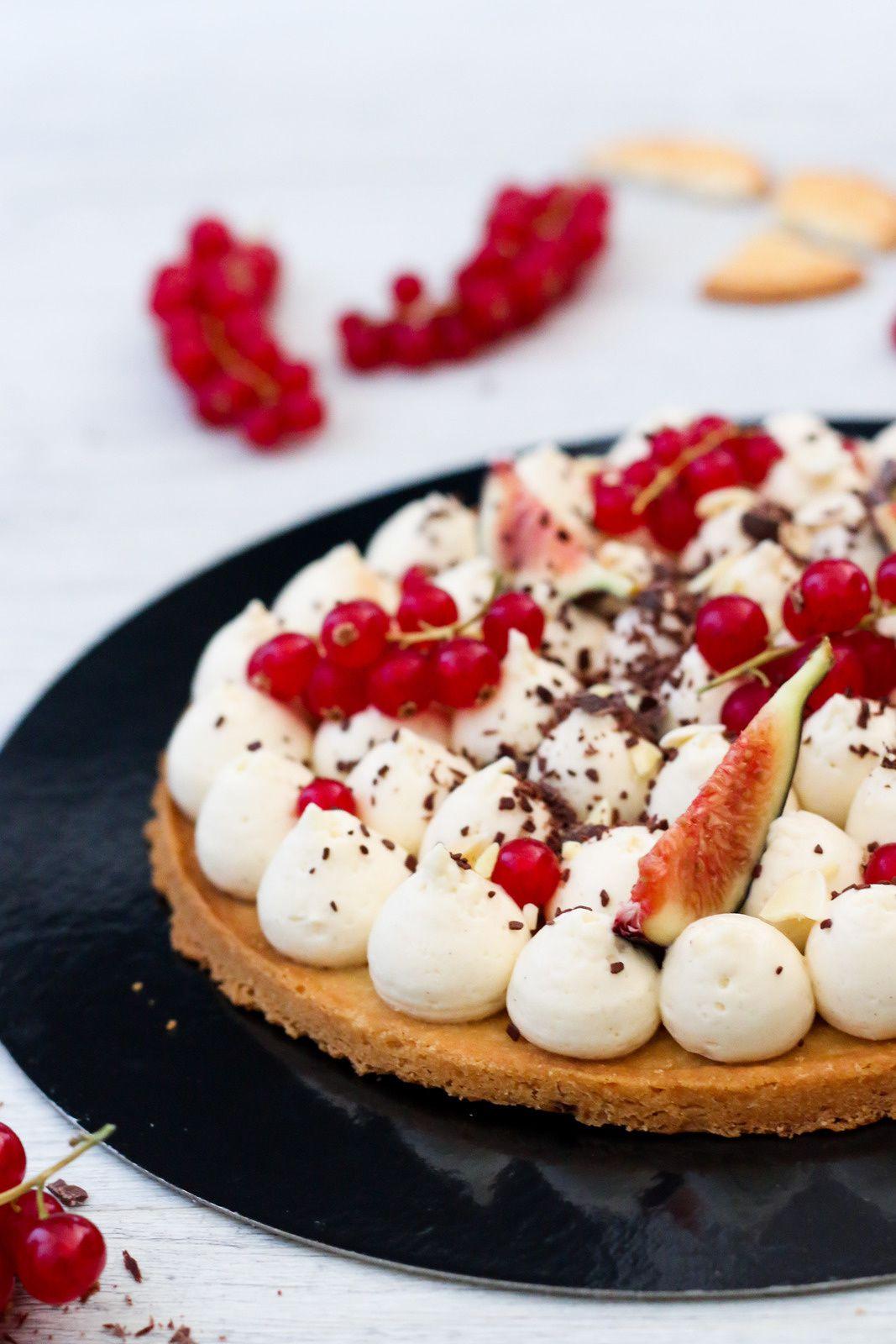 Tarte fine aux groseilles, pâte sablée minute et crème diplomate saveur biscuitée ( Dégustabox Juillet 2018 )