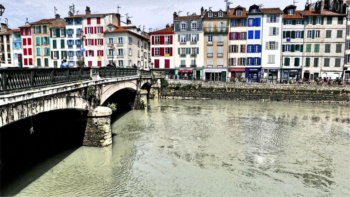 Bayonne, les maisons le long de la Nive