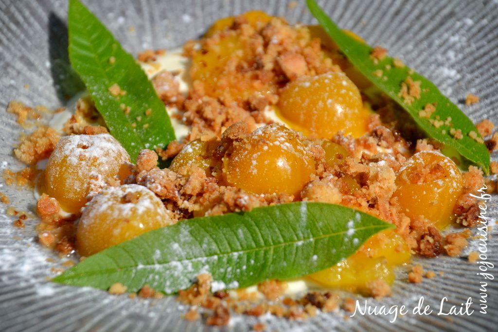 Mirabelles au sirop de Verveine, crème et crumble aux Amandes