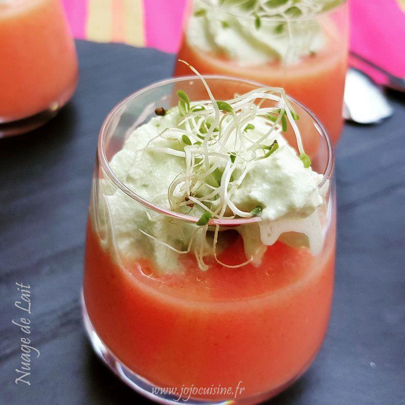 Gaspacho de Tomate au Lait de Coco Chantilly Basilic au siphon et graines germées en verrine