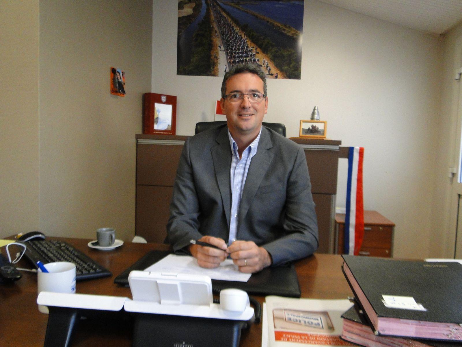 Yannick MOREAU va laisser son siège de maire à son Premier Adjoint (e) Florence Pineau