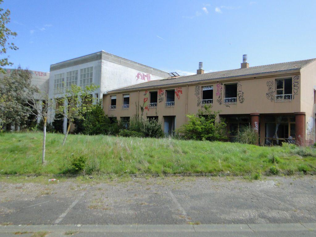 L'ancienne clinique du VAL D'OLONNE dans tous ses états de délabrement