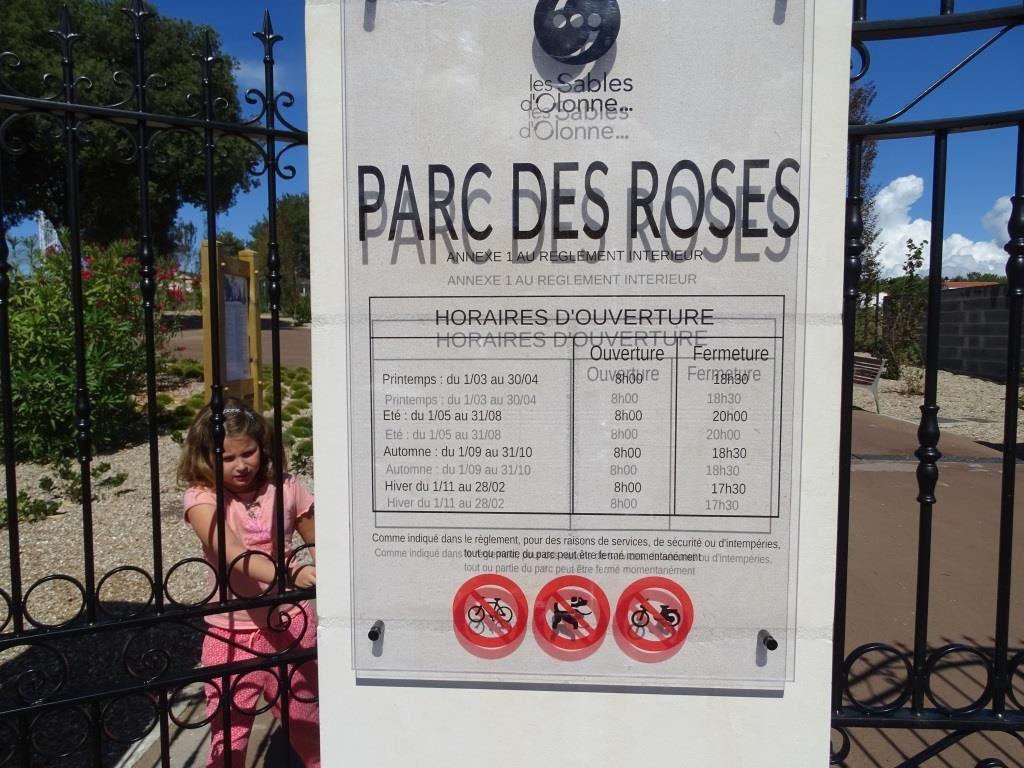 LES SABLES D'OLONNE : PARC DES ROSES, UN SITE AUSSI REMARQUABLE QU'AGRÉABLE