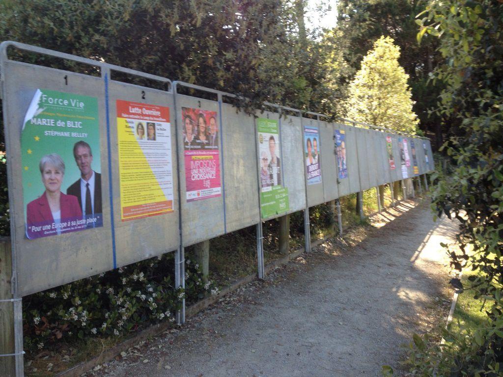 SOUVENONS-NOUS DE CETTE FILE DE PANNEAUX EN 2014 ! EN 2020 IL Y EN AURA ENCORE PLUS !