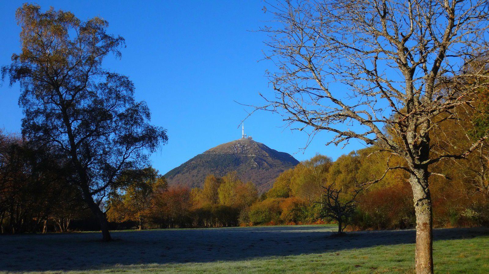 Longue balade du coté du Puy de Dôme à pied