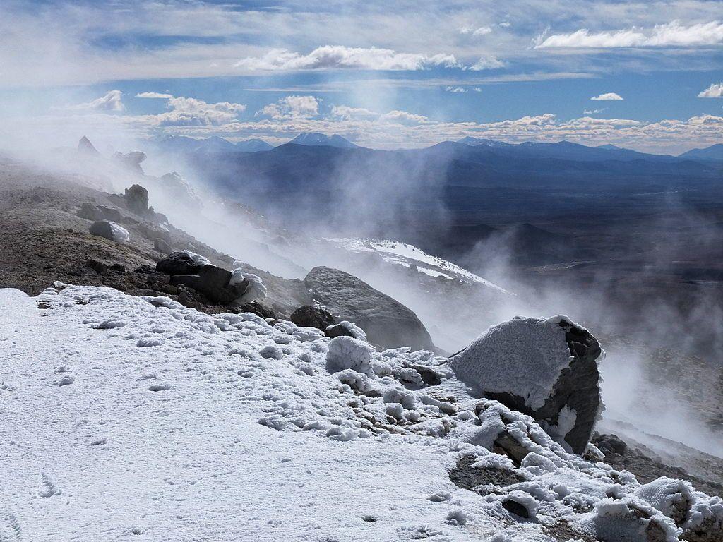 Champ fumerollien actif proche du sommet de l'Uturuncu - photo Albert Backer 2013